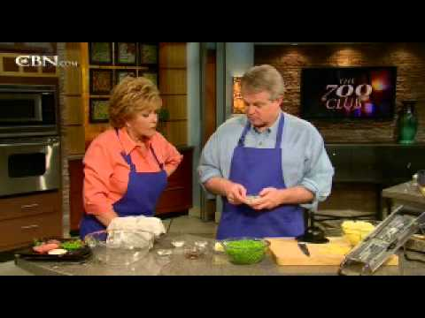 Sunday Dinners, Cooking with Gordon: Eye of Round Roast - CBN.com