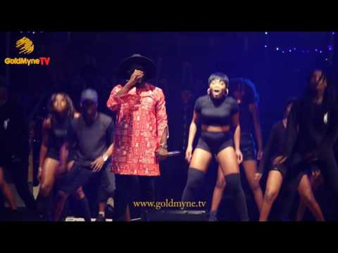 """WATCH HOW FALZ SHUT DOWN THE STAGE AT REEKADO BANK'S """"THANK YOU CONCERT"""""""