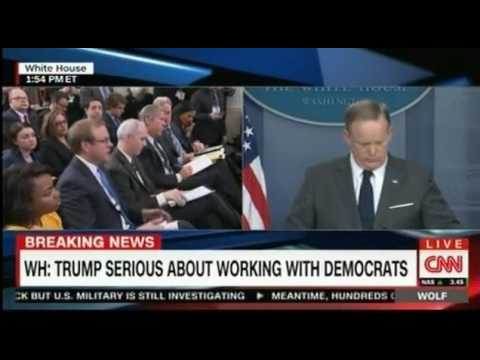 WH Press Conference with Sean Spicer dealing with Chairman Nunes getting secret information Panel di