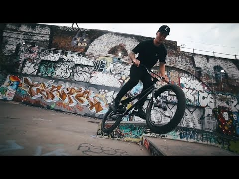 COLLECTIVE BIKES - HOW TO 180 WITH RYAN TAYLOR