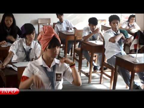 Berita Bahasa Inggris komedi kelas XI Bahasa (Lumonamora) 2014 SMA PIUS BAKTI UTAMA BAYAN PURWOREJO