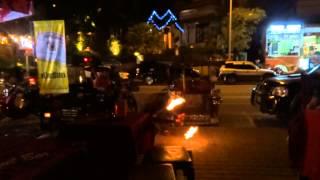 Прикольное видео. Огненное шоу в Тайланде.(, 2013-01-08T17:59:20.000Z)