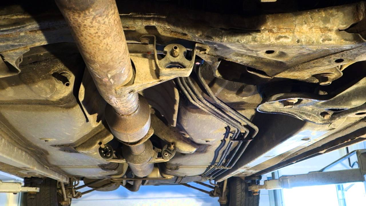 Leak In Car Engine Coolant Hose And Hose Repair Youtube