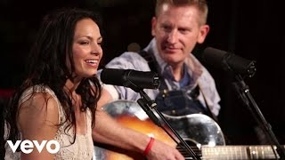 Joey+Rory - Gotta Go Back (Live) ft. Josh Turner