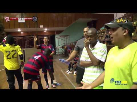 Zaalvoetbal: Styx v.s. Mengao