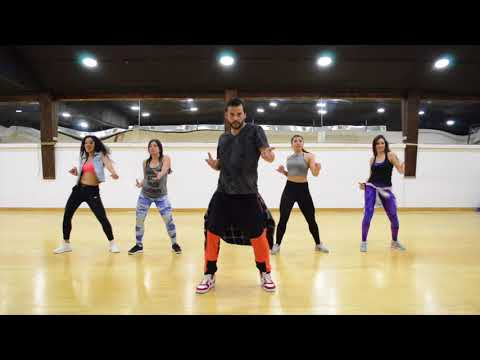Mayores - Becky G Ft Bad Bunny / ZUMBA