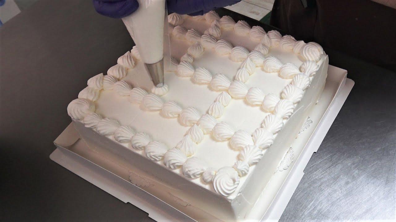 【Vlog】四角い誕生日ケーキ作り♪クリームを絞り完成させる、ある日のケーキ屋さんの様子|ビルソンローラーズ
