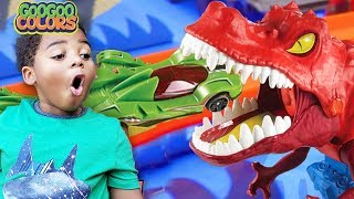 Oh No, T Rex Dinosaurs Take Over City! (Goo Goo Colors Hot Wheels Super Ultimate Garage!)