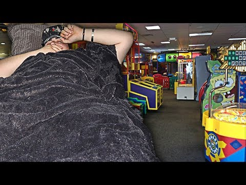 I Spent the Night at an Arcade and it Ended Really Bad || KILL'EM FTW SLEEPING CHALLENGE!!