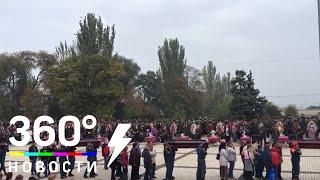 Церемония прощания с погибшими при нападении на колледж началась в Керчи