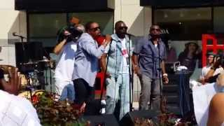 "90s R&B group Intro performing ""Ribbon in the Sky"""