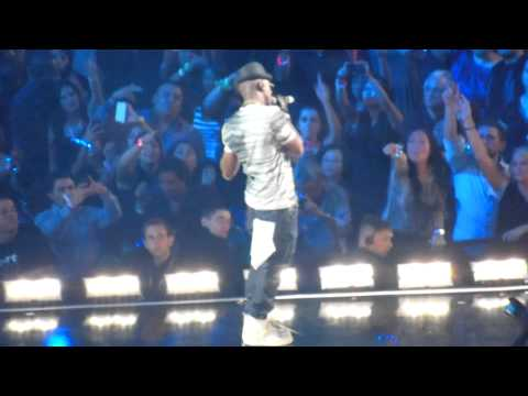 Pitbull feat Ne-Yo - Everything Tonight - iHeartRadio Music Festival - Las Vegas