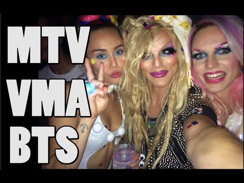 2015 VMA MTV BTS with Miley Cyrus