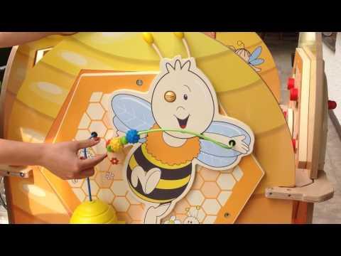 23750 Bee, Biene