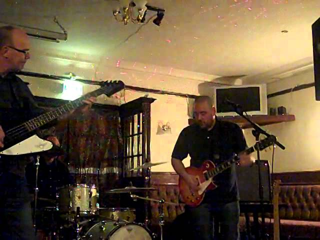 Further on up the road - Live @ The VIc, Crosby.
