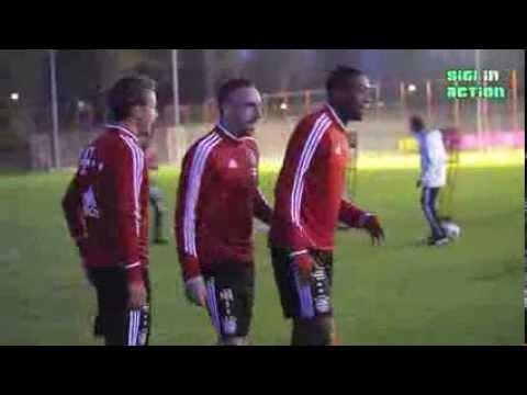Teil 1: FC Bayern München Training bei Flutlicht am 30.10.2013