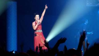 HD The Cranberries -Dreams- live Paris Zenith 31052010