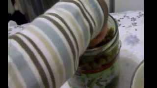 Салат Оливье (мясной салат, салат горошек) приготовить