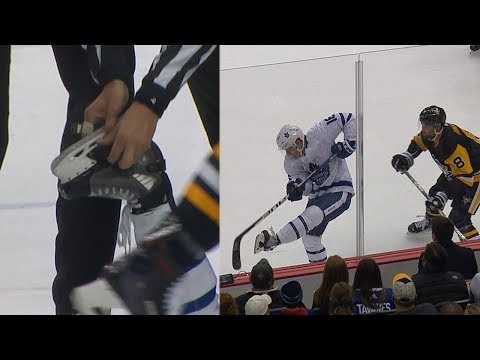 Mitch Marner loses puck in his skate