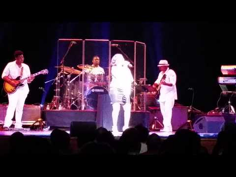 """Stephanie Mills """"Feel The Fire"""" at NJPAC! Takes You To Church! 2015!"""