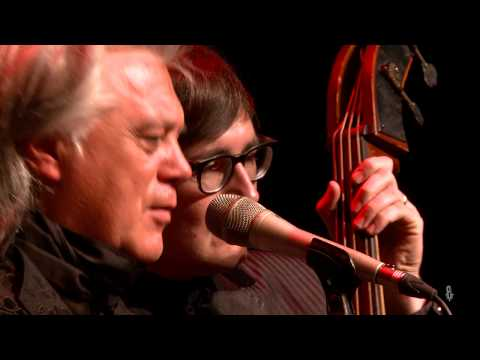 Marty Stuart and His Fabulous Superlatives - Way Out West (eTown webisode #1230)