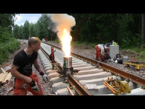 Begini Proses Penyambungan Rel Kereta Api Menggunakan Teknik Pengelasan Yang Tidak Biasa