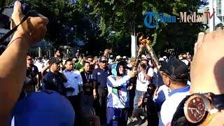 Download Video Obor Asian Para Games Dibawa Berkeliling Kota Medan MP3 3GP MP4