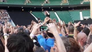 The Waterboys - Whole Of The Moon (intro), U2 - Sunday Bloody Sunday (Twickenham 09.07.17)