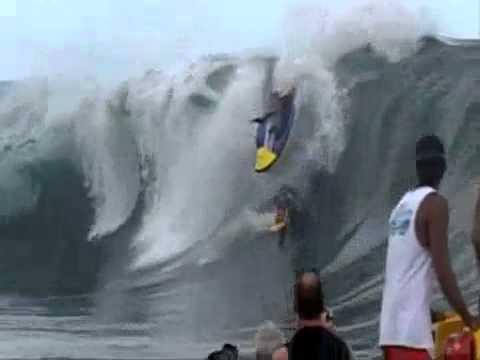 Jet Ski Barrel...(surfing)