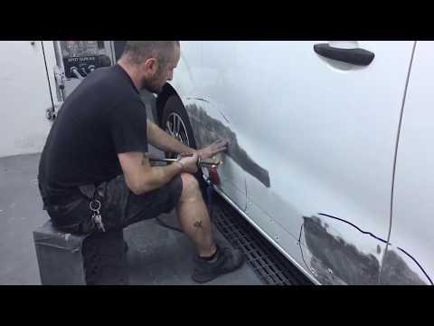 Reparación golpe en vehículo industrial