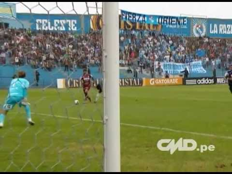 Jugadazas de Reimond Manco ante Sporting Cristal