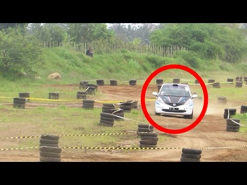 Mobil Honda Jazz Balap at Tambakrejo Sprint Rally (Sprint Rally Indonesia 2016)