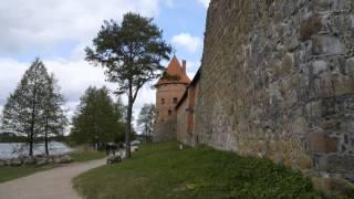 Тракайский замок, Литва (Trakai Island Castle, Lithuania)(Трака́йский (Тро́кский или Тро́цкий) за́мок — самый большой из сохранившихся в Литве старинных замков...., 2014-06-13T19:34:53.000Z)