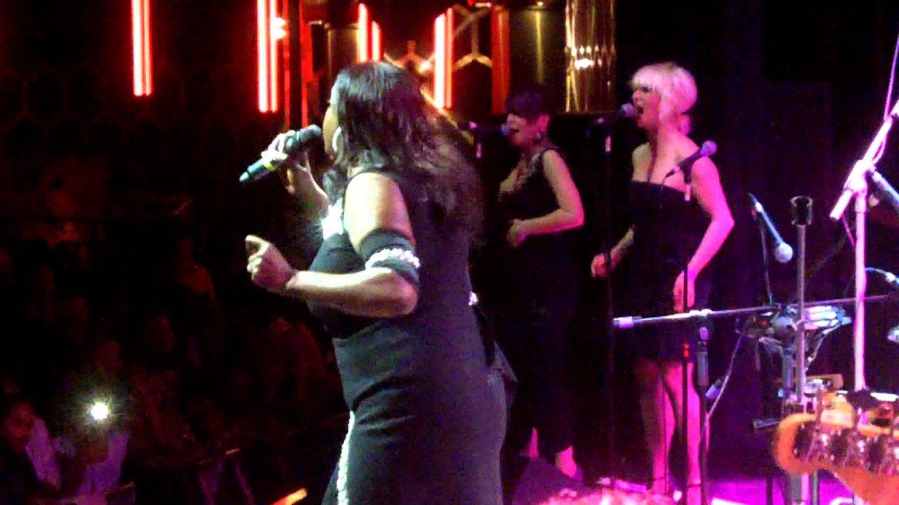 the-jones-girls-you-re-gonna-make-me-love-somebody-else-live-in-london-2011-carl-hudson
