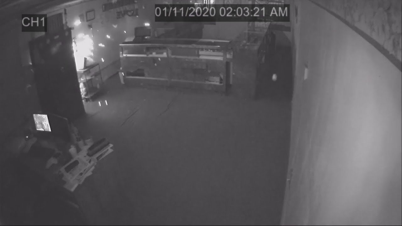 kgpe - Surveillance video from Dinuba jewelry burglary
