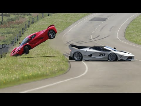 Crash Battle Ferrari FXX K Evo Vs Ferrari LaFerrari  At Highglands