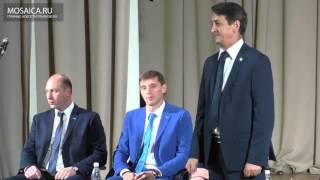 Вручение формы новым игрокам ХК Волга
