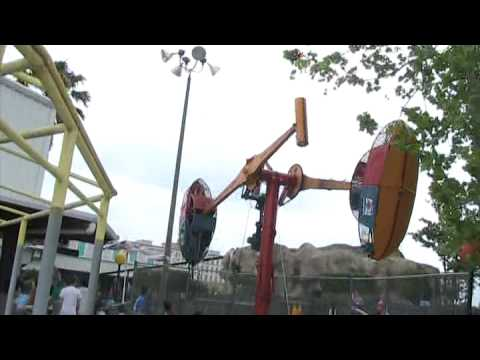 Loop O Plane in Fun World at Flea World