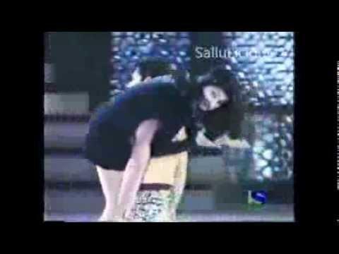 girl tight skirt ass OTS carry by salman khan thumbnail