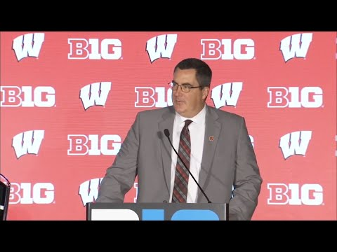 Wisconsin Badgers - Paul Chryst talks QBs, Jonathan Taylor at Big Ten Media Days