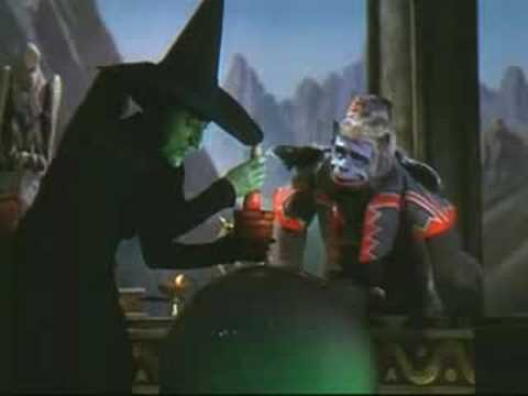 WITCHES IN HOLLYWOOD : Silver Screen Witchcraft !