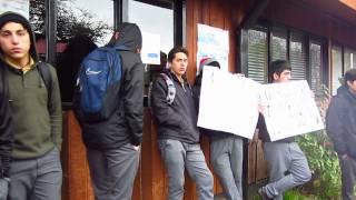 Protesta cursos técnicos de Liceo Rodulfo Amando Philippi