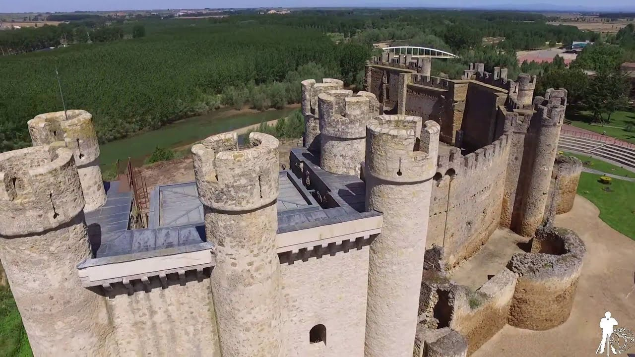 Castillo de valencia de don juan le n youtube for Piscinas leon valencia don juan