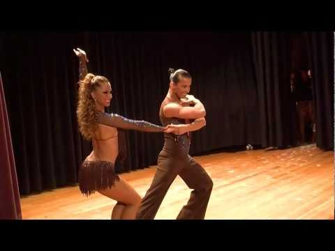 Adrian y Anita - Salsa World Champion - Latin Festival 2010