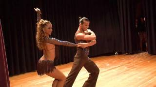 Adrian y Anita (champion world salsa open 09+11+14) - Show 2010 - Latin Festival 2010 (official)