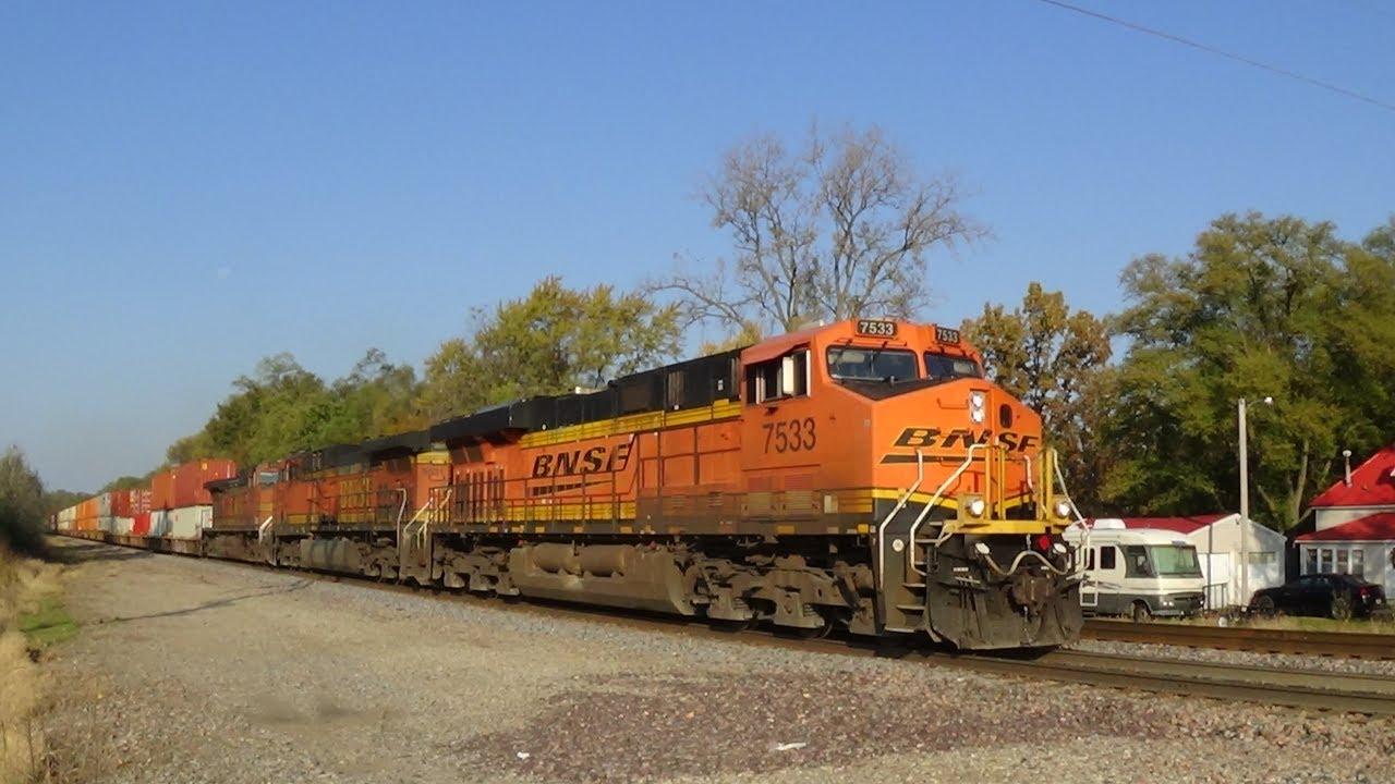 Gevo, AC4400, and Dash 9 Pull BNSF Intermodal