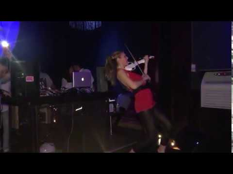 Elsa Martignoni Electric Violinist - Live Performance at Le Village du Soir Genève | Mirco Many Dj