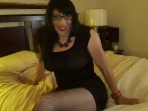 Girdles-Stockings and high heels. from YouTube · Duration:  2 minutes 9 seconds