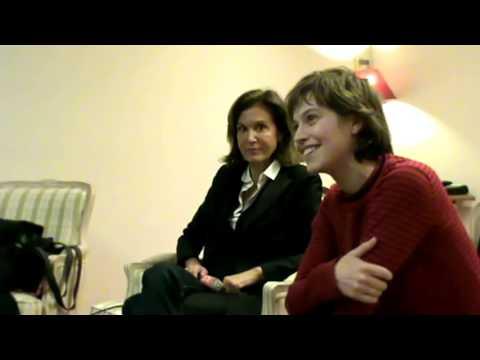 Anne Fontaine et Lou de Laâge pour E-clap
