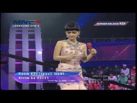 Julia Perez Goyang Gergajinya Dewi Perssik - Konser Seleksi KDI 2015 (31/3)
